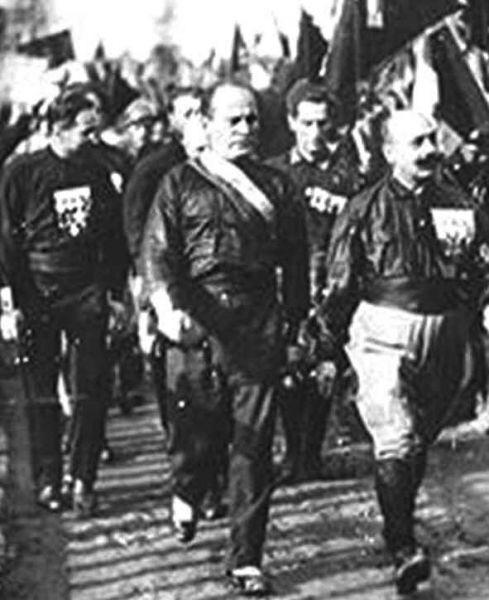 Муссолини и поезда