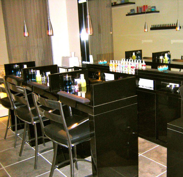 Salon, nail design, gel, manicur, pedicur, massage, Montreal